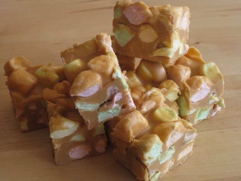 Cooking with Moose: Peanut Butter Marshmallow Squares