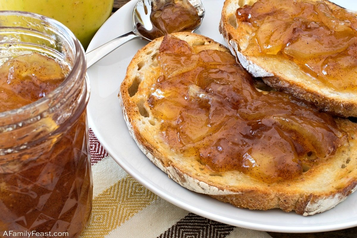 Cooking with Moose: Apple Pie Jam